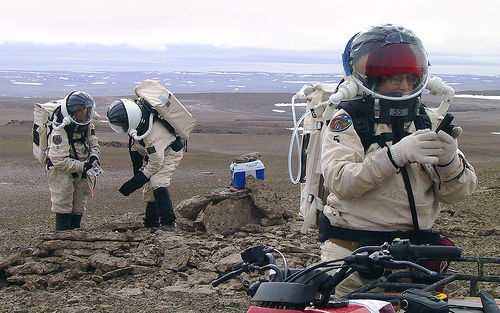 crew-members-equipment-eva